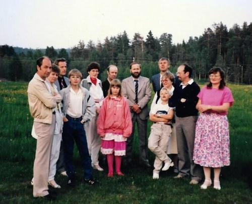 Vuorelan sukukokous 7.- 8.6.1986, ryhmä Eskelisiä