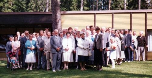 Iisalmen Mansikkaniemellä sukukokous 12.6.1988. (1)